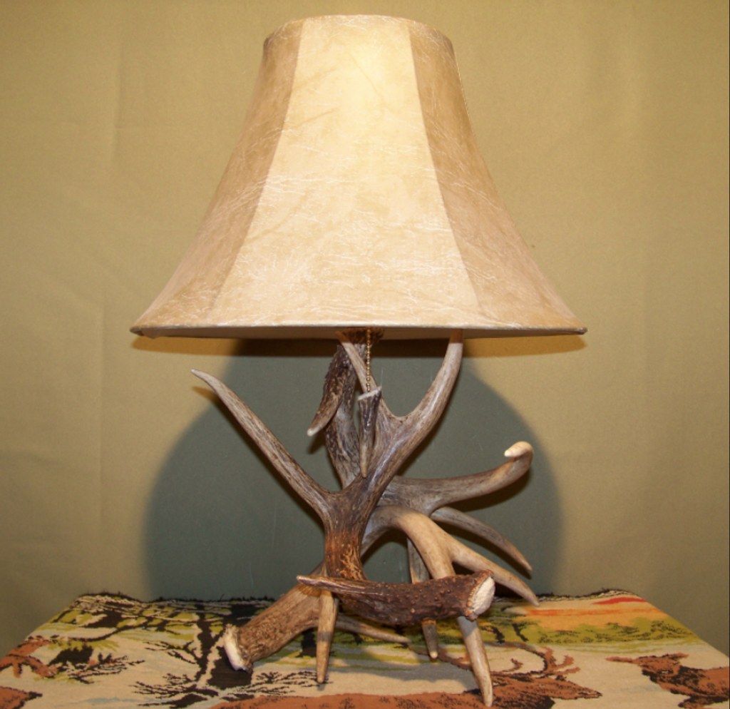 "3 Antler Table Lamp, Antler Tipped Pull Chain, 18""t x15""w/ Antler Finial"