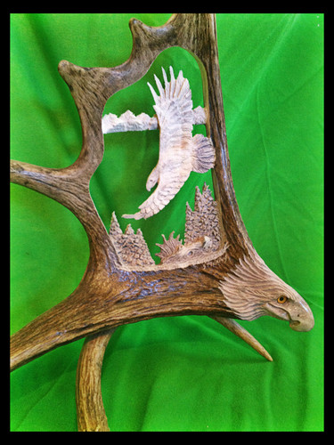Banking Eagle w/Eagle Head Antler Carving,18""