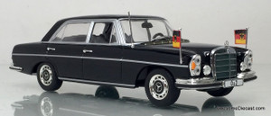 Minichamps 1:43 Mercedes-Benz 300 SEL - Federal Chancellor Willy Brandt