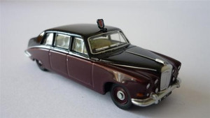 Oxford Diecast 1:43 Queen Mother Daimler DS420 Claret/Black