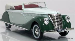 IXO 1:43 1939 Renault Suprastella Coach