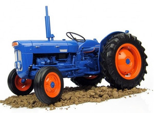 Universal Hobbies 1:16 Fordson E27N Tractor