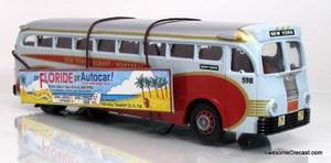 Corgi 1:50 Yellow Coach 743 Bus Champlain Tours