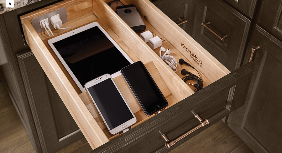 4 storage innovations in a whoever s home kitchen for Kraftmaid closet systems