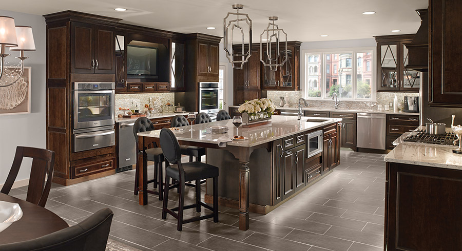 7 creative ways to design your kitchen layout for for Entertaining kitchen designs