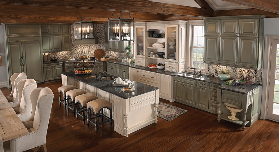 5 most popular kitchen layouts kraftmaid for Kraftmaid kitchen cabinets