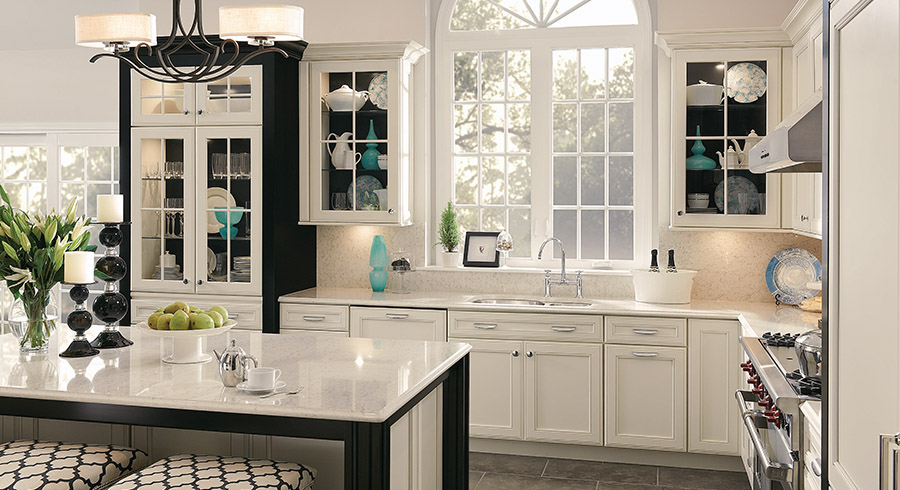 5 kitchen design trends to look for in 2017 kraftmaid - Latest kitchen cabinet design 2017 ...