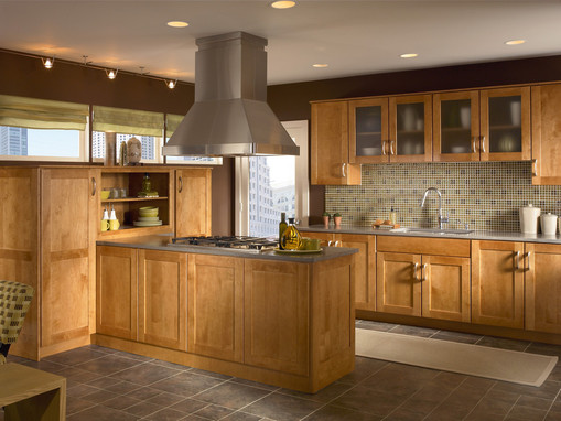 Kitchen in maple in praline kraftmaid for Kraftmaid closet systems