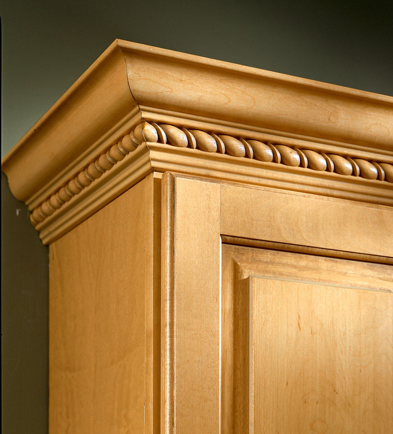 Kraftmaid Insert For Classic Crown Molding Kitchen Cabinet: Classic Crown With Onyx Ribbon Twist Insert