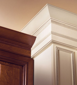 Large Federal Molding with Center Bead Insert Detail