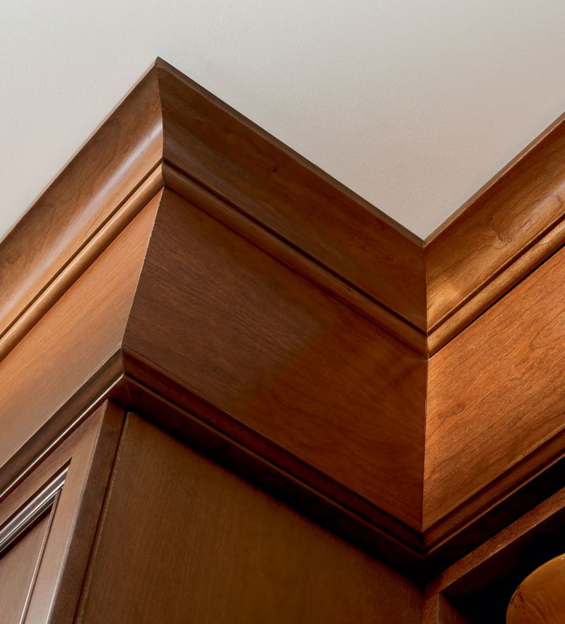 Moldings And Accents At Kraftmaid Com: Large Cove Molding And Traditional Valance