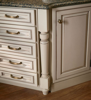 Federal leg in canvas with cocoa glaze maple kraftmaid for Cocoa cabinets