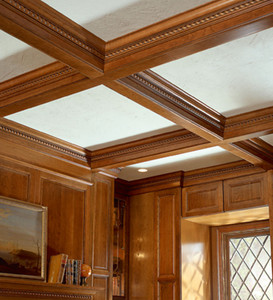 Classic Crown with Ribbon Twist Insert as Ceiling Detail