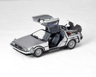 Movie Revoltech No.001 DeLorean Action Figure