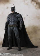 S.H.Figuarts BATMAN (JUSTICE LEAGUE) Action Figure (Completed)