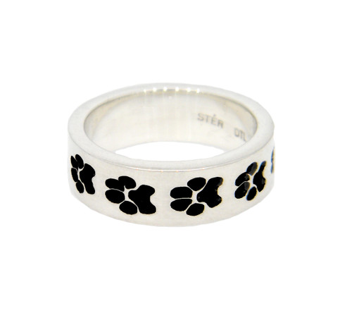Journey Ring with Recessed Dog Paws