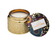 This inspirational scent features sublime notes of Bird of Paradise nectar, juicy ripe grapefruit and fragrant geranium.