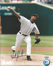 Victor Santos Autographed Detroit Tigers 8x10 Photo