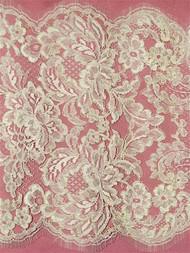 P13624 Ivory Alencon Lace