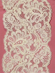 P1951 Ivory Alencon Lace Trim