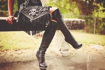 Black skull bag with fringe