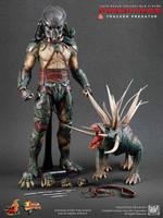 Predators: Tracker Predator - Boxed Figure