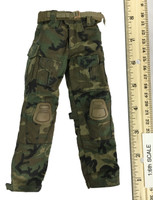 SFG Veteran: Dragoon - Camo Pants w/ Belt & Knee Pads