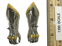 Gothic Armor (Silver) - Gauntlets (Gripping) (Metal)