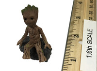 Guardians of the Galaxy Vol. 2: Star-Lord - Baby Groot w/ Rock Stand (Limit 1)