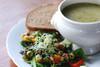   Local Lunch : dagsoep, salade en boterham van de dag.  
