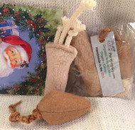Each sweet gift contains a small mouse and a baby catnip carrot-- both filled with only certified organic cotton-- no catnip.  Many cats love small toys, they are so much fun to toss and chase.