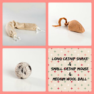 Holiday gift bag for cats. Made in the USA. Natural toys for  cats. Purrfectplay.com