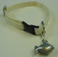Hemp cat collars with a silver fish bell attached. Natural cat collar made in USA. Break away cat collar.