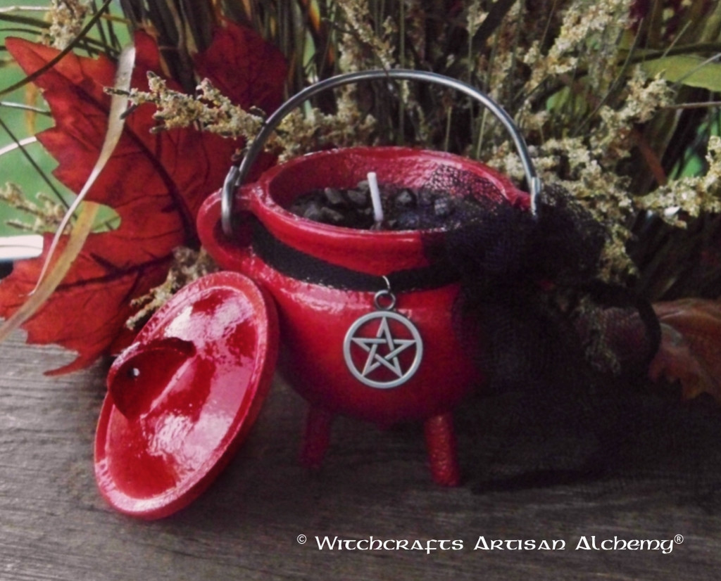 "WITCH SHAMAN ""Old European Witchcraft"" Cauldron Candle"