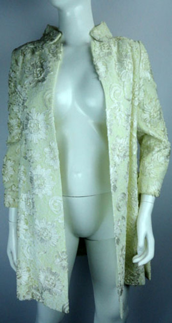 Vintage 1970s Winter White Lace and Ribbon Lillie Rubin Coat