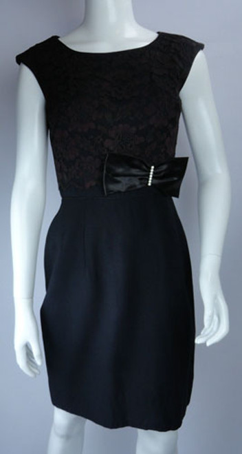 1950s Flair of Miami Fitted Black Lace Cocktail Dress