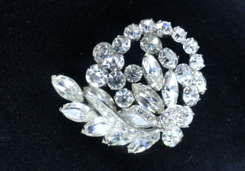 Vintage Weiss Clear Swirling Rhinestone Brooch