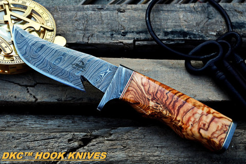 "DKC-577 Rattler Damascus Steel Gut Hook Hunting Knife 9.25""Long 4.5"" Blade 10 oz Olive Wood Handle"