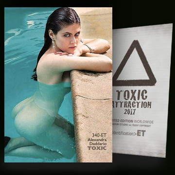 Alexandra Daddario / Pool [ # 340-ET ] TOXIC ATTRACTION cards