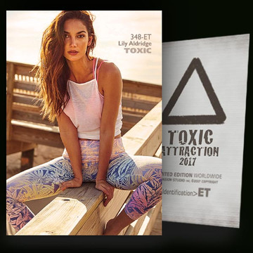 Lily Aldridge / Natural Delight [ # 348-ET ] TOXIC ATTRACTION cards