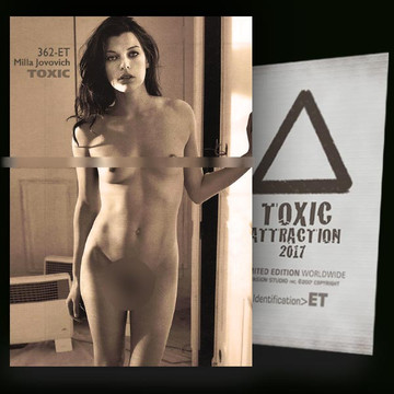Milla Jovovich / Hidden Spot [ # 362-ET ] TOXIC ATTRACTION cards
