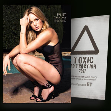 Caity Lotz / Into the Light Vol.2 [ # 396-ET ] TOXIC ATTRACTION cards