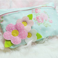 ITH 3D Flower Lined Zipper Pouch
