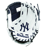 "Wilson A200 10"" New York Yankees MLB Baseball Tee Ball Youth Glove - Right Hand Throw"