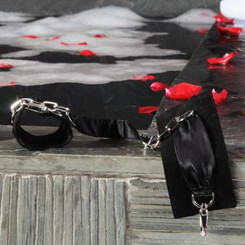 LELO Sutra Chainlink Bondage Cuffs - Black