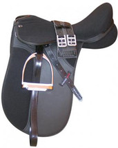 Status Elite Wide Gullet Dressage Saddle Deluxe Kit