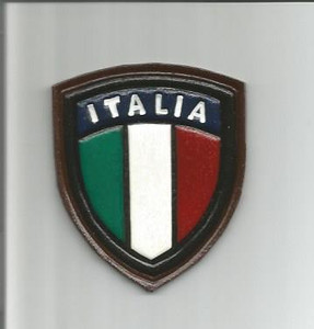 Embossed Italian Shield (Italia)