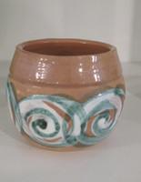 Alejandro Lopez Bastida #6552BX.  Ceramic cup from Trinidad de Cuba. 3 x 2.5 inches.