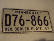 1987 MINNESOTA DEALER License Plate D76 866