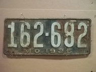 1925 Missouri 162 682 license plate DMV clear